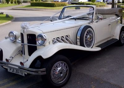 beauford-classic-wedding-car